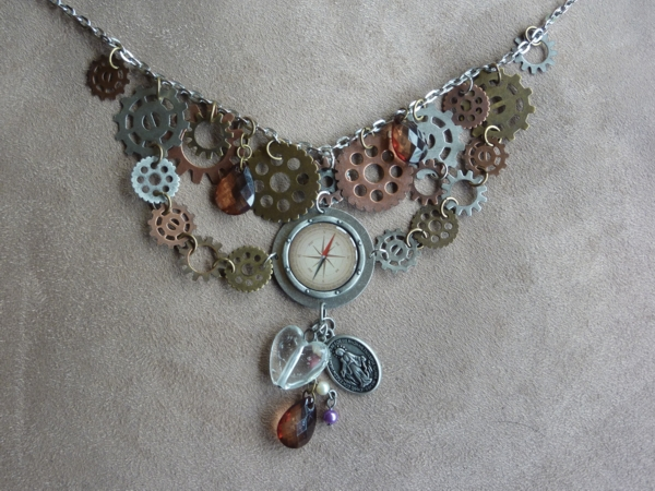 Cogs necklace
